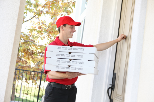 How did the pizza delivery come about? - foto 1110