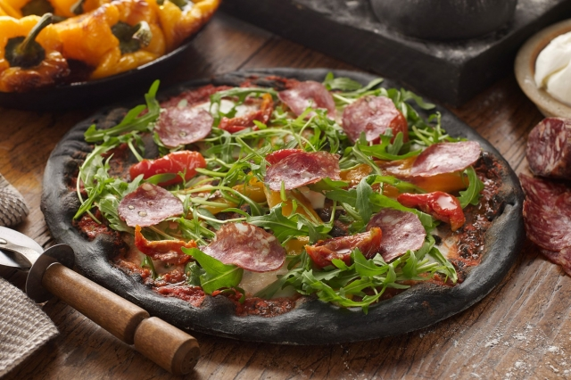 Black pizza - a new global trend - foto 1596