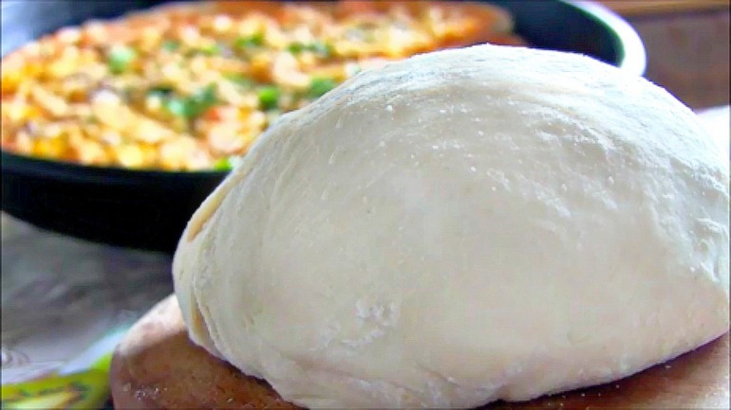 Pizza dough on beer  - foto 1603