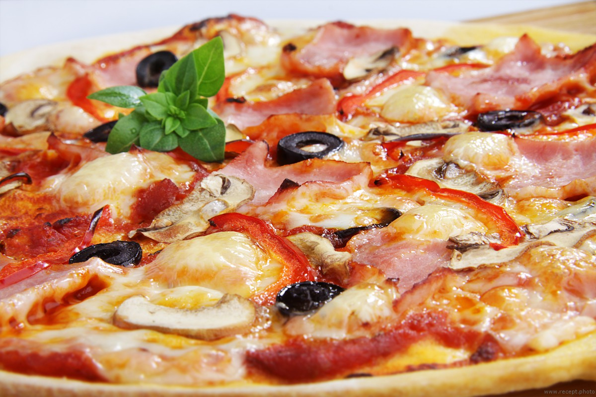 5 pizza recipes with meat - photo 2