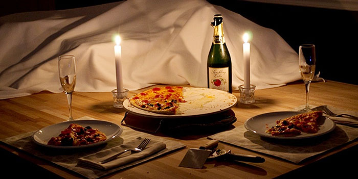 Pizza and romantic evening - photo 1