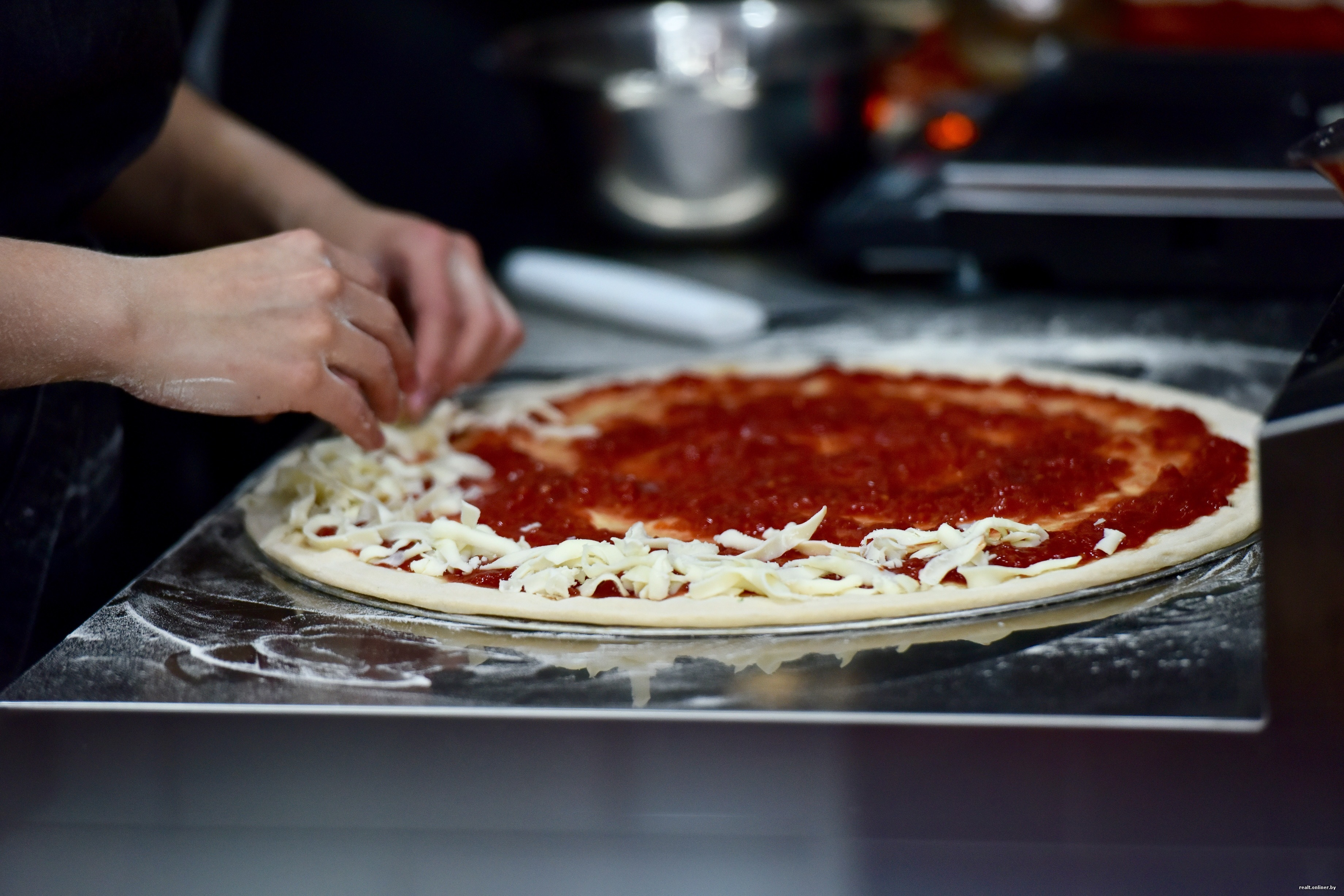 Making a pizza test - photo